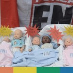 Forza Nuova vende bambole contro la gestazione per altri e le adozioni per i gay