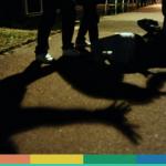 Bergamo: gay aggredito da tre persone, nessuno lo aiuta