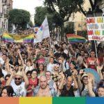 Catania e Taranto per l'orgoglio: le immagini dei Pride di oggi