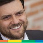 Storie di donne e un papà arcobaleno: intervista a Gianluca Pirozzi