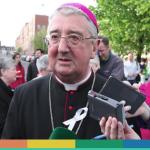"""""""In quel seminario si usa Grindr"""" e il vescovo di Dublino manda i seminaristi a… Roma!"""