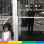 I bambini urlanti e la nuova tendenza dei locali no-kids