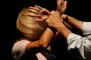 violenza-sulle-donne-in-italia-cala-il-numero-ma-aumenta-la-gravita
