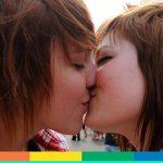 Denunciate per un bacio, due ragazze marocchine rischiano tre anni di prigione