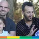 """Il parlamento UE agli stati membri: """"Riconoscere le adozioni senza discriminare le coppie gay"""""""
