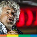 Le battute (copiate) di Grillo sulle persone transgender e le polemiche online