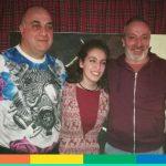 Omofobia a San Valentino: pace fatta tra il proprietario del locale e le ragazze. Anzi, no