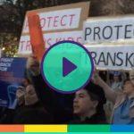 Trump abolisce i provvedimenti di Obama sui bagni per le persone trans: proteste nelle piazze