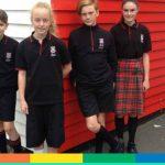 "Le divise ""gender neutral"" per le scuole neozelandesi diventate virali"