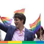 Justin Trudeau al Toronto Pride con i calzini in arabo per la fine del Ramadan