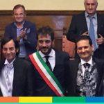 Niente spilla e pergamena per le unioni civili, così decide il sindaco di Arezzo