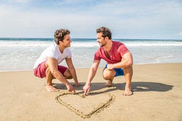 coppia_gay_piscina_salerno1