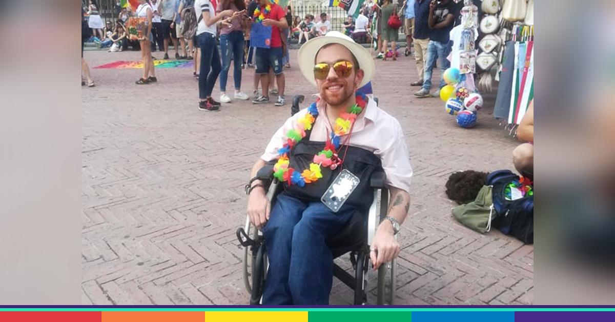 Sedie A Rotelle Roma : Storia di riccardo gay e disabile e di quellorsetto al roma pride