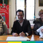 Valsamoggia: il sindaco riconosce entrambe le mamme di un bimbo appena nato