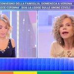 Anche Barbara D'Urso contro il Congresso delle famiglie di Verona