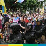 Nonostante le minacce il Pride di Kiev colora l'Ucraina: 8mila persone (sotto scorta)