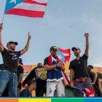 Porto Rico in rivolta contro il governatore omofobo. In piazza anche Ricky Martin e Del Toro