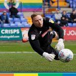 League One, insulti omofobi al portiere: tifoso arrestato durante il match