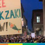 """Zaki in carcere per altri 15 giorni. Amnesty: """"Decisione brutta e crudele"""""""
